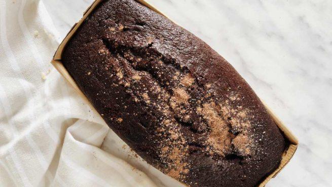 Bizcocho de chocolate con centeno sin lácteos ni huevos