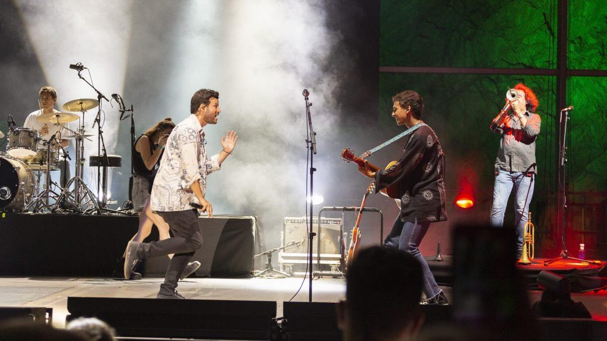 Fuertes críticas en las redes sociales al concierto de Taburete en Marbella