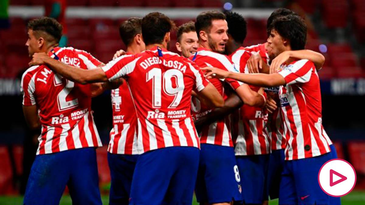 Los jugadores del Atlético de Madrid celebran uno de los goles frente al Alavés. (AFP)