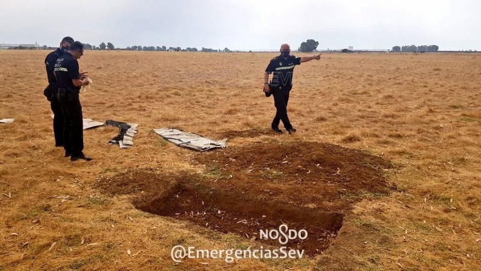 Sevilla.-Sucesos.-Hallados restos óseos en una excavación «con forma de fosa» en una parcela de Sevilla Este