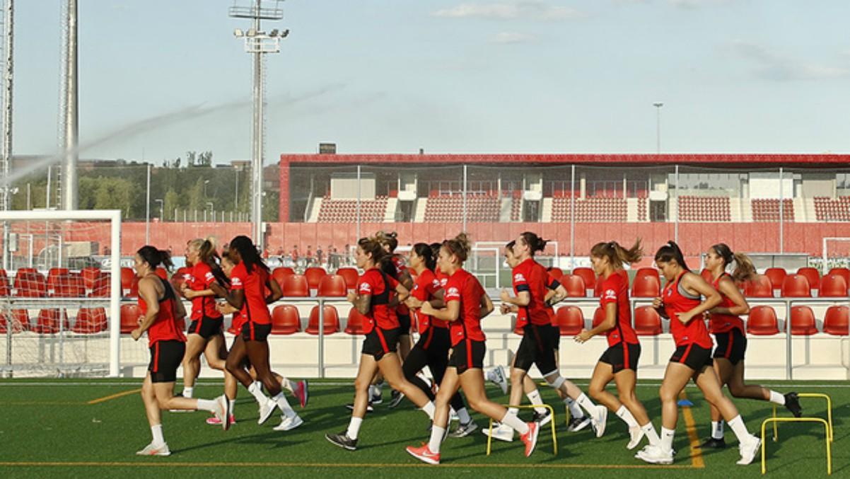 Las jugadoras del Atlético de Madrid femenino entrenando. (atleticodemadrid.com)