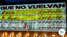 Imagen de la proyección del video con los 'papeles de Bárcenas' en la Casa de la Panadería de Madrid.