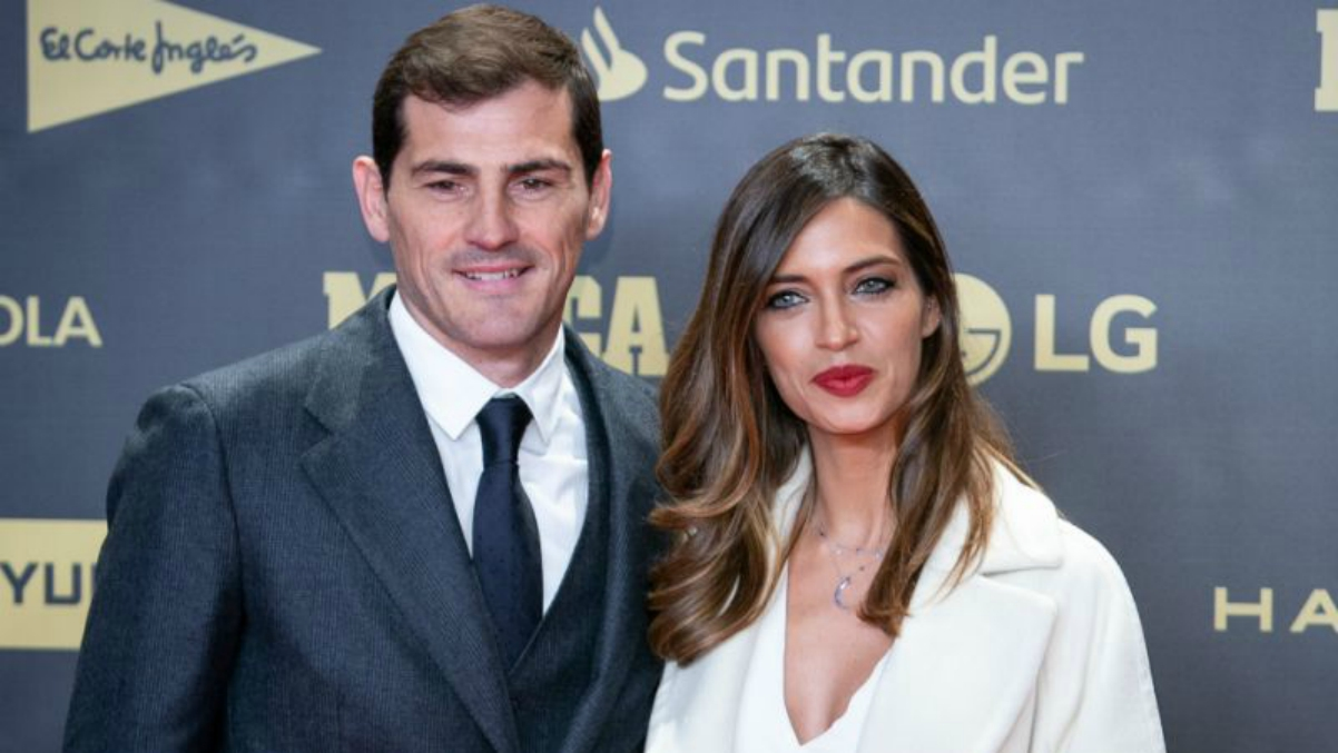 Iker Casillas y Sara Carbonero, en un acto (EFE).
