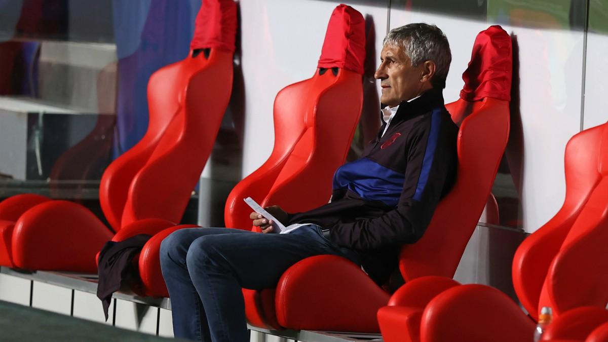 Setién, durante el Barcelona – Bayern. (AFP)