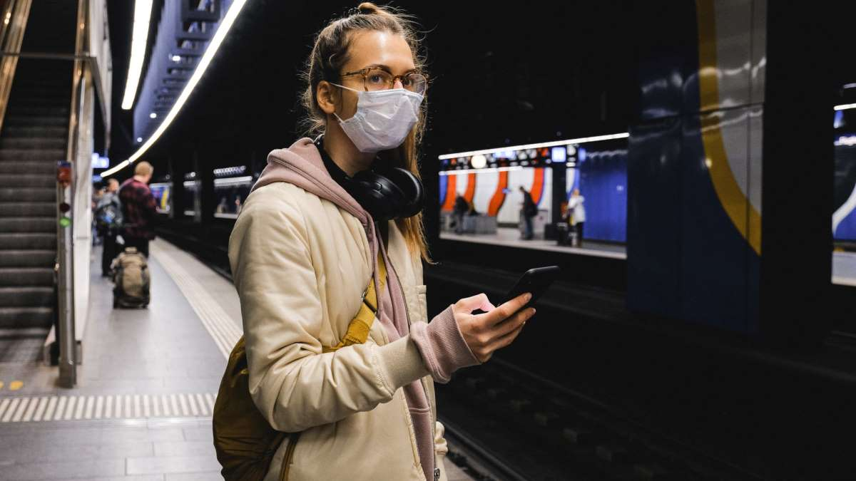 El tiempo del viaje en metro ya no se podrá aprovechar para desayunar