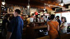 Se permitirán en Andalucía 10 personas juntas como máximo en terrazas y cierre de bares de copas