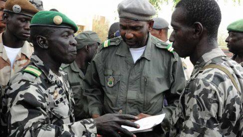 Varios militares han tomado una base militar reteniendo a varios ministros