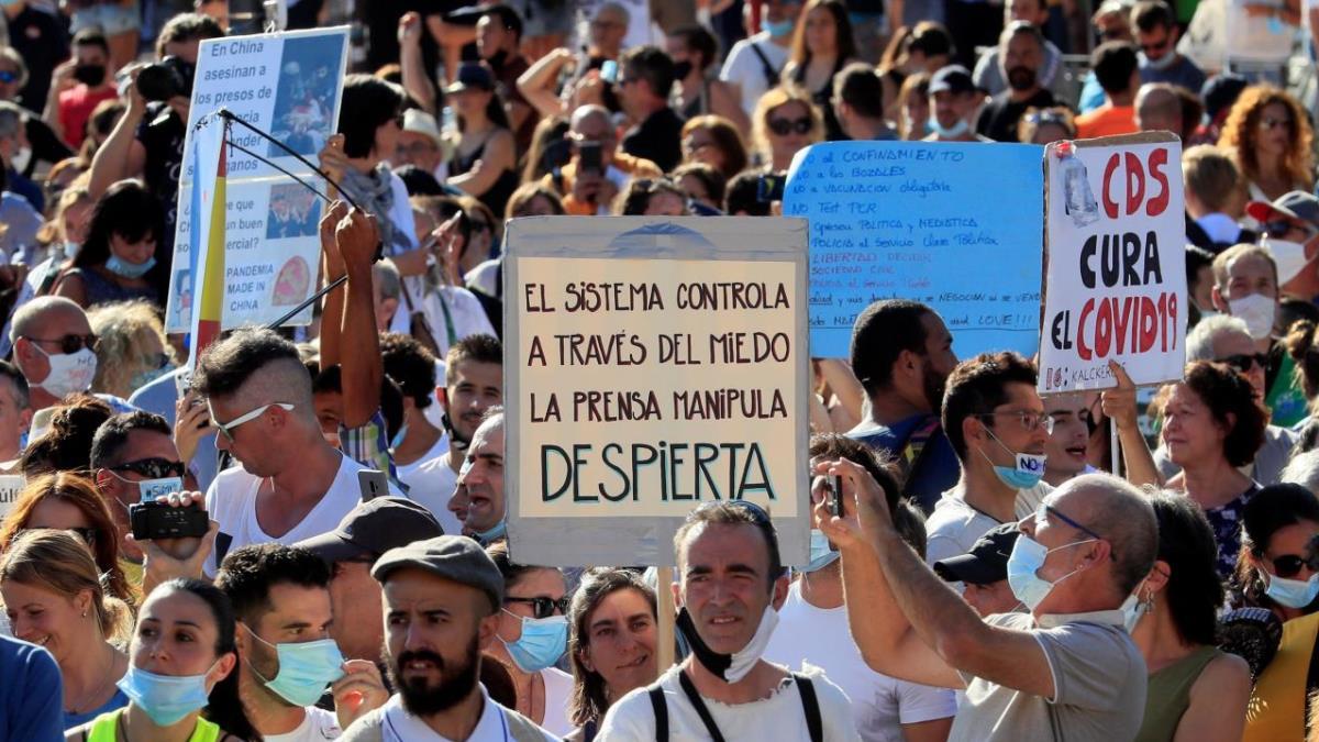 Miles de personas se manifestaron sin mascarilla en lo que puede ser un nuevo brote