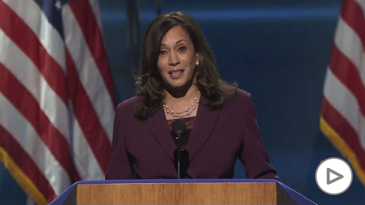 Kamala Harris en su discurso tras ser nominada oficialmente como candidata demócrata a la vicepresidencia de Estados Unidos.
