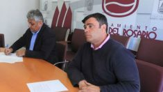 El alcalde socialista de Puerto del Rosario, Juan Jiménez, y el concejal acusado de acoso sexual, José Juan Herrera.