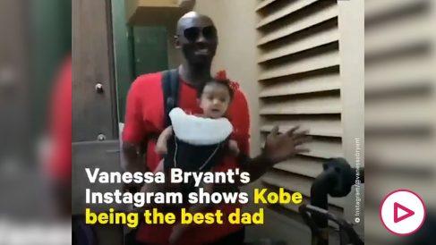 Kobe Bryant, con una de sus hijas.