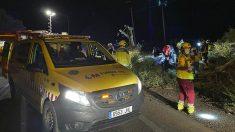 Los servicios de emergencia asisten a las víctimas del accidente de Móstoles.