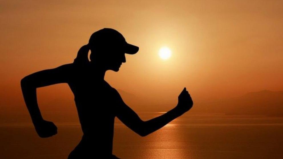 ¿Por qué es importante la vitamina C para los deportistas en verano?