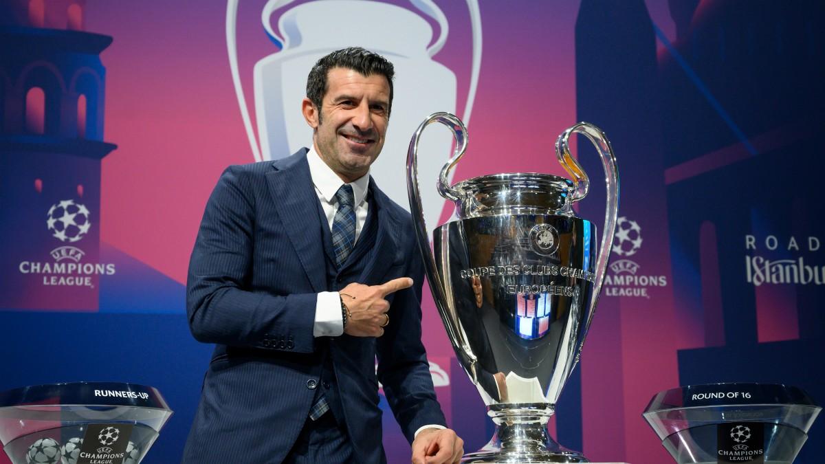 Figo, en una foto con la Champions League. (AFP)