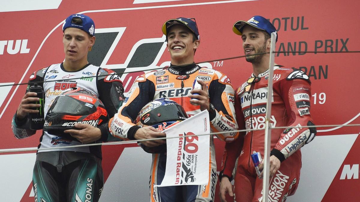 Márquez, junto a Quartararo (Izquierda) y Dovizioso (derecha). (Getty)