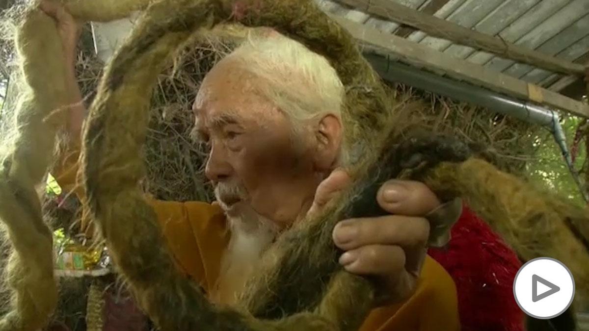 ¿El hombre con la coleta más larga del mundo? Lleva 80 años sin cortarla