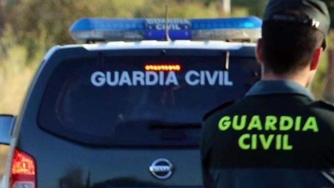 La Guardia Civil detiene a tres personas por estafa inmobiliaria en Huelva