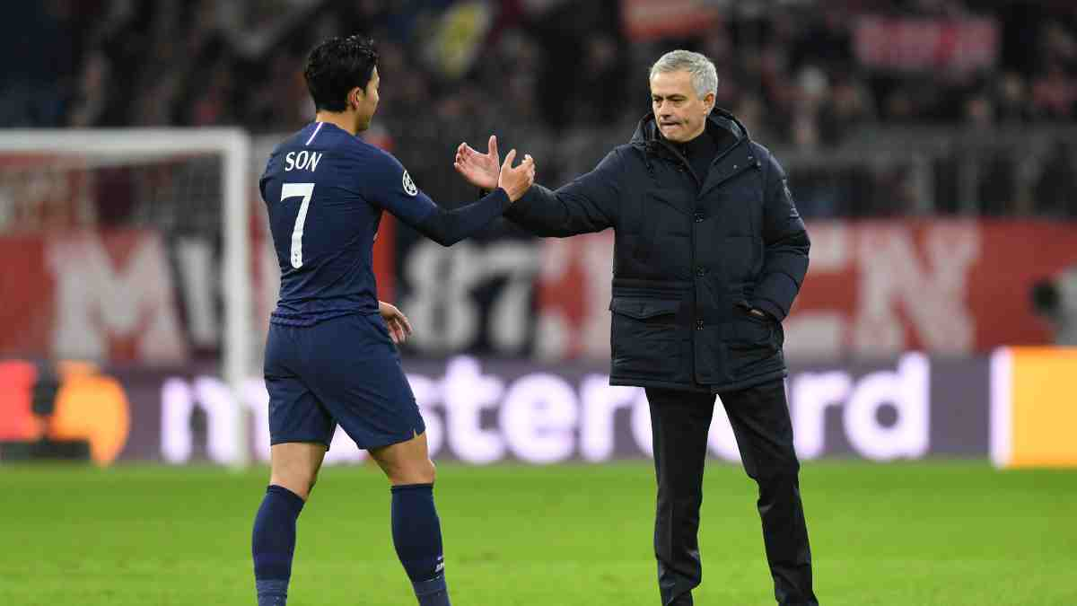 Son y José Mourinho. (AFP)