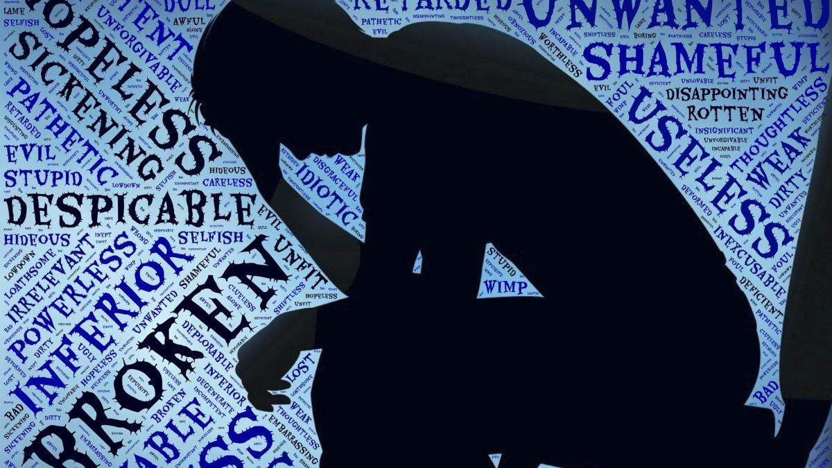¿Tiene efectos negativos informar sobre el suicidio?