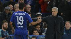 Diego Costa y Mourinho en la etapa del delantero en el Chelsea. (AFP)