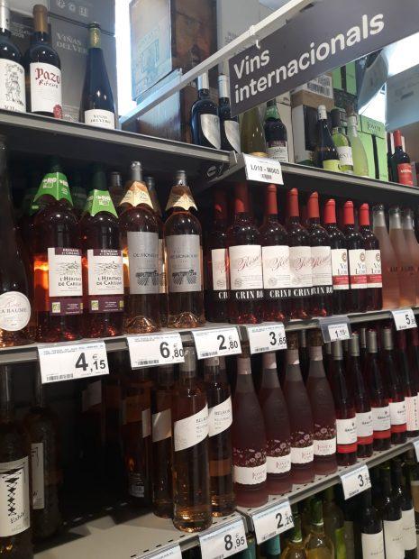 Supermercado de Carrefour en Calella de Palafrugell (Gerona)