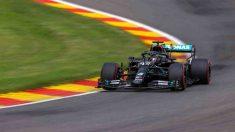 Lewis Hamilton durante la clasificación para el Gran Premio de Bélgica en el circuito de Spa. (AFP)