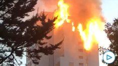 Un edificio arde en llamas en Madrid. Imagen: Juanan Jiménez