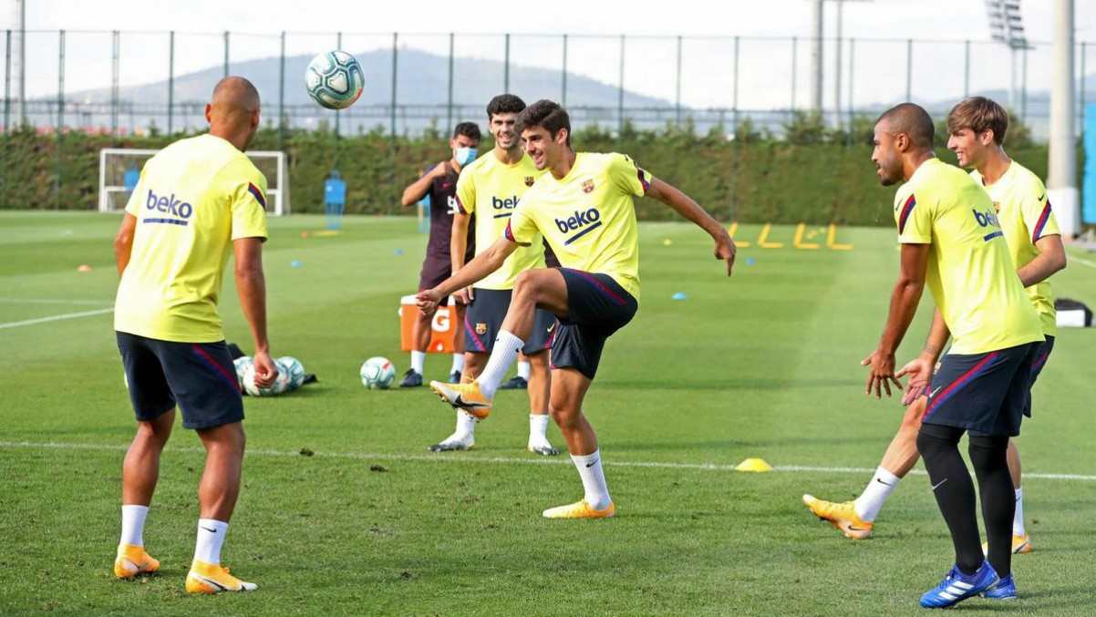 Los jugadores del Barcelona, durante un entrenamiento. (fcbarcelona.es)
