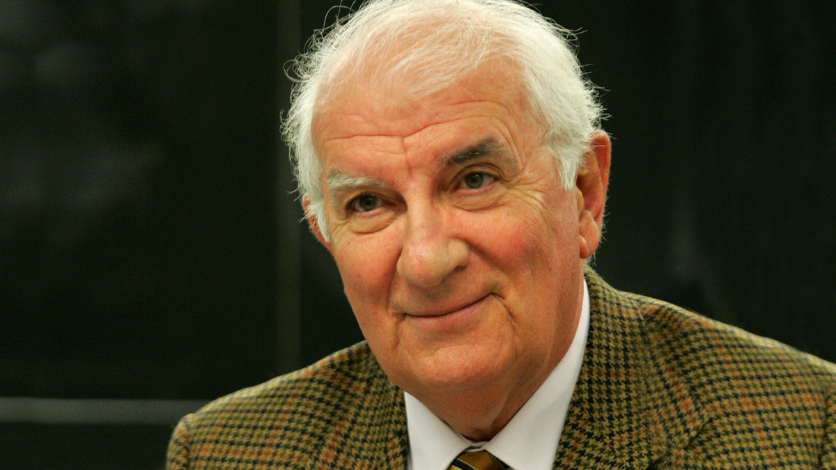 El profesor y primer doctor en Ciencias de la Información en España, Ángel Faus.