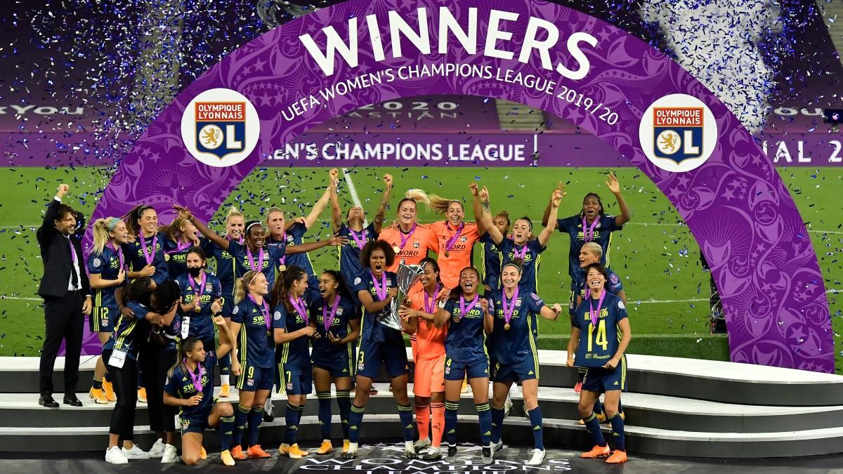 Las jugadoras del Lyon celebran la Champions. (AFP)