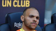 Braithwaite, en el banquillo en un partido con el Barcelona. (AFP)