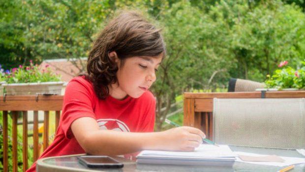 Cuadernos de verano de los niños: Consejos para acabarlos antes de que comience la escuela