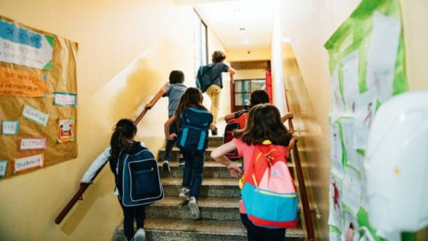 OMS: Las escuelas no son el principal foco de contagio de coronavirus