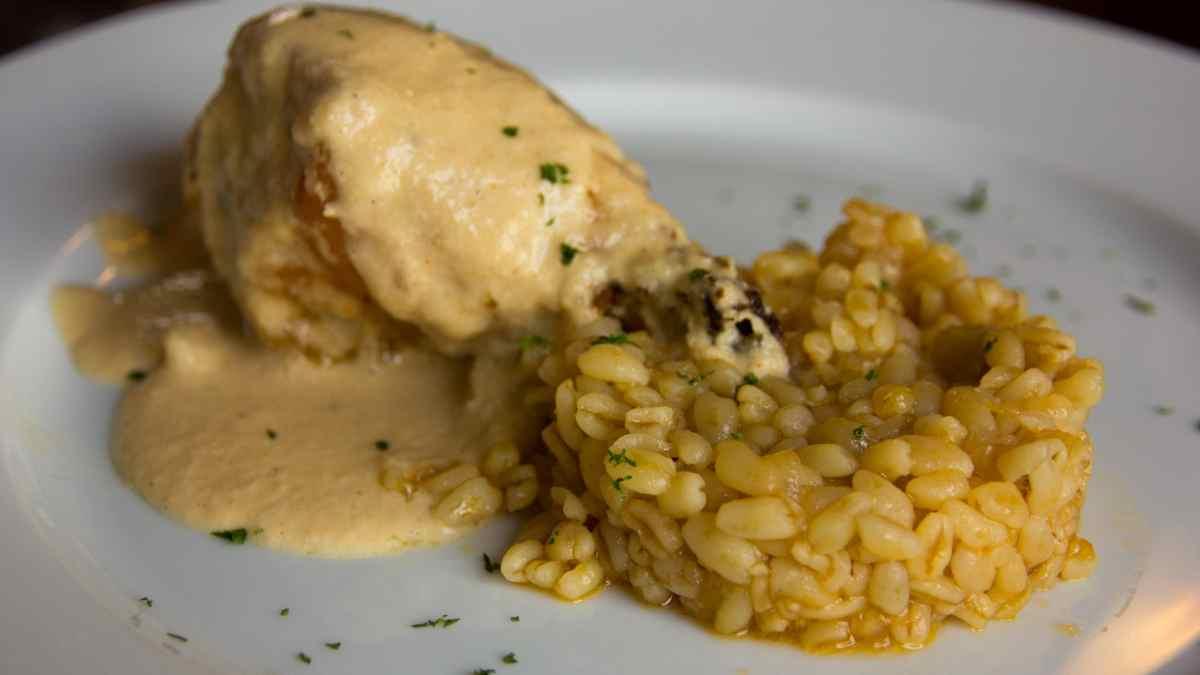 Receta de Guiso de pollo con trigo y un toque de cominos