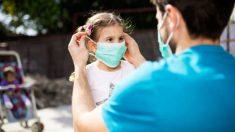 Todos los pasos para convertir una mascarilla quirúrgica en una infantil