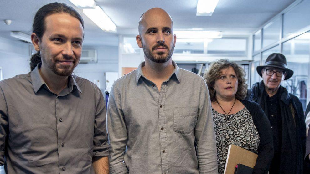 Nacho Álvarez (2d), junto a Pablo Iglesias, Nuria Alonso y Vicenç Navarro. (Foto: Podemos)