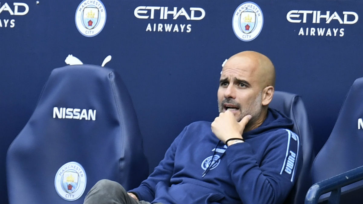 Pep Guardiola, en el banquillo del Etihad. (Getty)