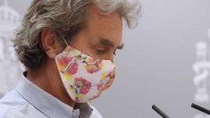 El director del Centro de Coordinación de Alertas y Emergencias Sanitarias, Fernando Simón, informa este jueves en rueda de prensa de la evolución de la pandemia de coronavirus en España. Foto: EFE