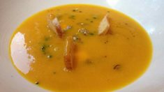 Receta de Sopa de hinojo, jengibre y calabaza