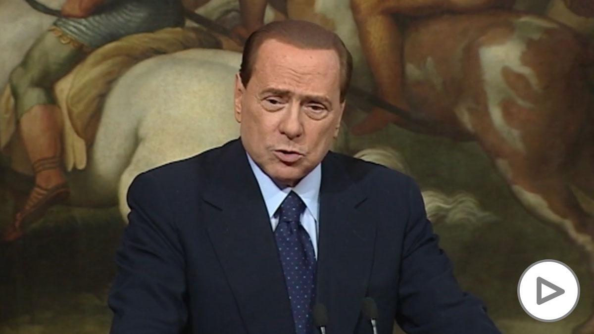 Berlusconi, hospitalizado por Covid-19