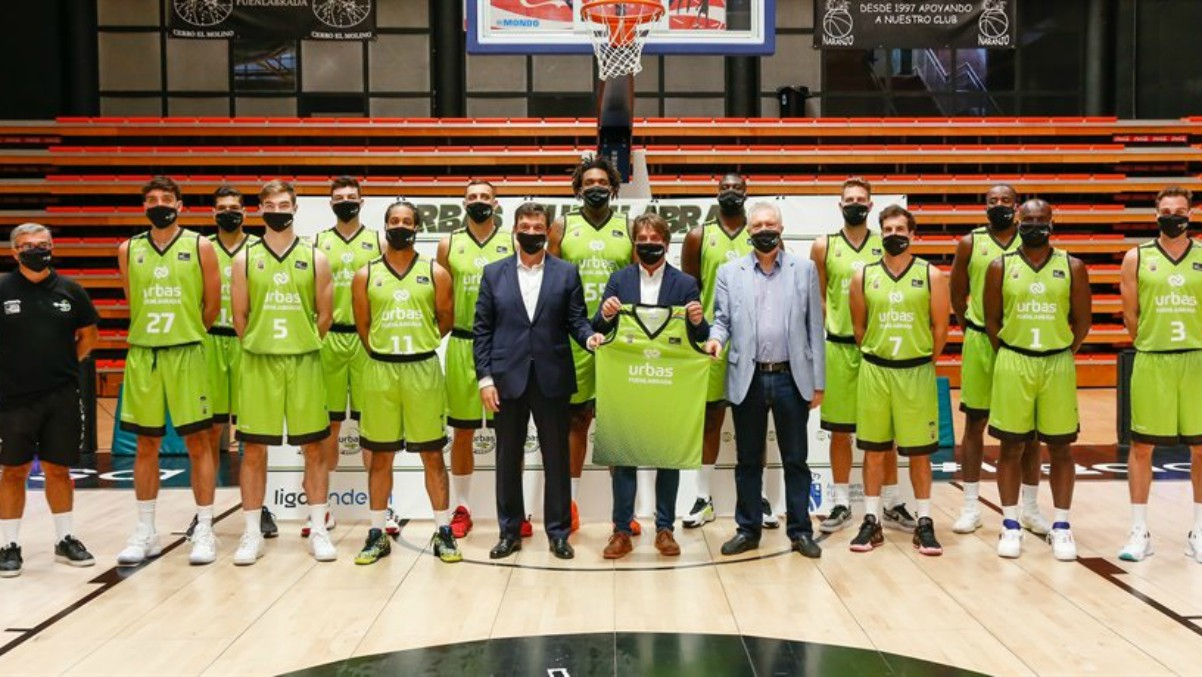 Presentación del acuerdo entre Urbas y el Baloncesto Fuenlabrada con la primera plantilla del equipo de la Liga Endesa. (EuropaPress)