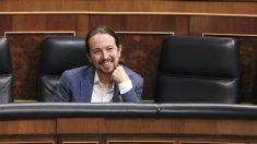 El vicepresidente segundo y líder de Podemos, Pablo Iglesias, durante un Pleno en el Congreso. (Foto: Europa Press)