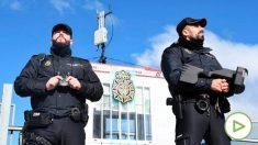 Agentes de la Policía detectan un vuelo prohibido dentro del plan antidron durante la Cumbre del Clima en Madrid. Foto: EP