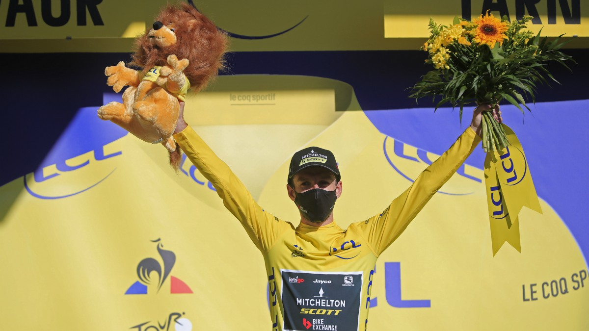 Adam Yates, líder del Tour. (AFP)