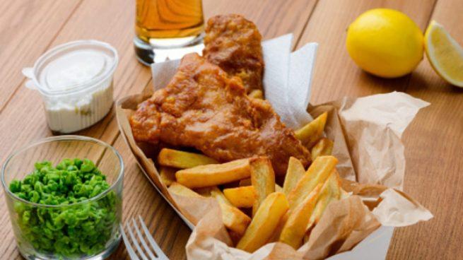 Fish and chips de caballa, receta de pescado auténtica británica