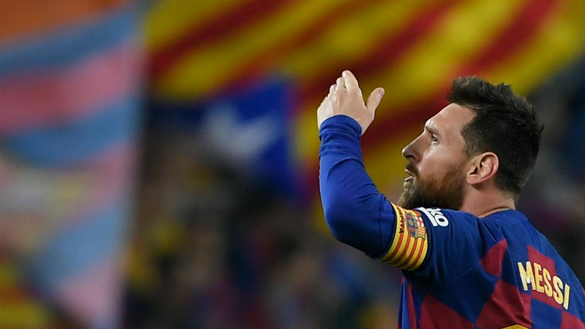 Leo Messi celebra un gol con el Barcelona en el Camp Nou. (AFP)