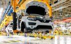 Las ventas de la industria suben un 6,5% en julio mientras el sector servicios modera su caída al 13,7%
