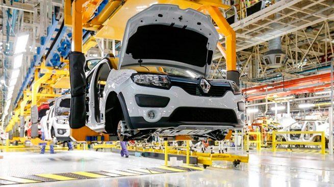 Oxígeno para la industria del automóvil: las plantas de Renault en España dicen adiós al ERTE