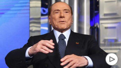 Berlusconi entra en una «fase delicada», aunque responde bien al tratamiento para el coronavirus