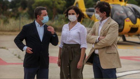 Emiliano García-Page, Isabel Díaz Ayuso y Alfonso Fernández Mañueco. (Foto: Ricardo Rubio – Europa Press)